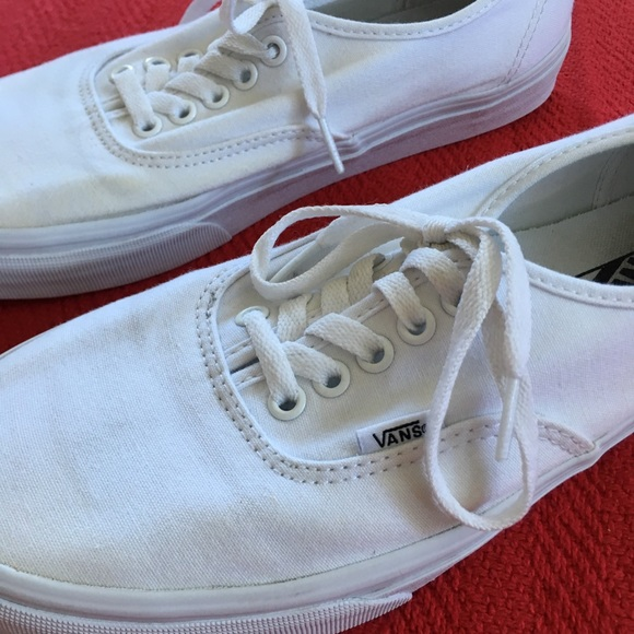 8d4b7d02ca4 VANS SHOES PURE WHITE CANVAS OFF THE WALL Unisex. M 5b42e5dbf63eea353cddadff